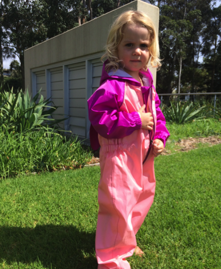Youth rain suits from frogg toggs® will keep your kids warm and dry from top to bottom.